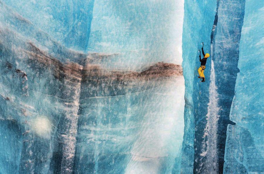 La escalada en hielo exige buena movilidad de tobillo, alta rigidez, protección térmica; además, las nuevas rutas de dificultad demandan una gran ligereza. Cortesía The North Face